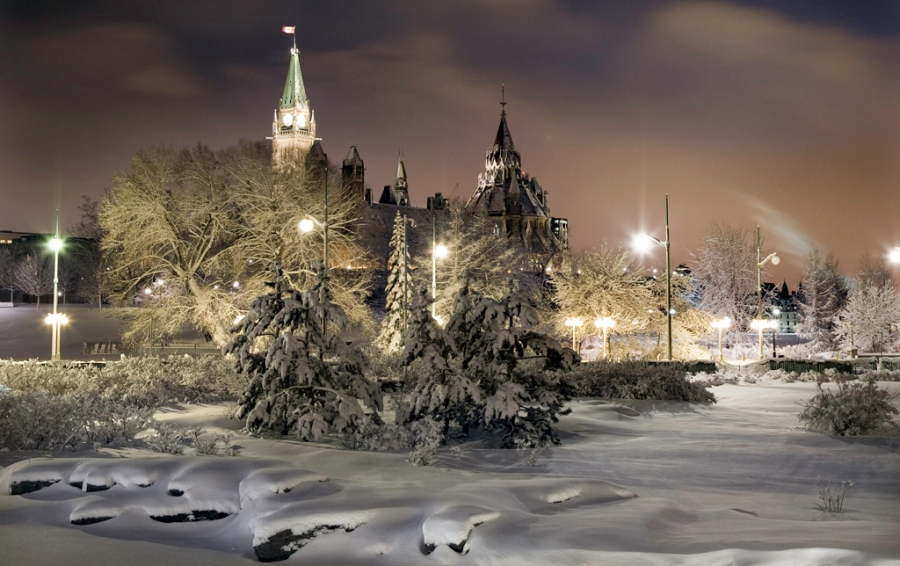 Canada's capital city is a wonderland after a snowfall. -- Une merveille! La capitale du Canada, après une chute de neige.
