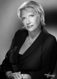 Sandelle Scrimshaw  President of RHOMA Présidente de l'ACMAR